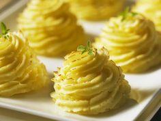 Pommes duchesse ist ein Rezept mit frischen Zutaten aus der Kategorie Wurzelgemüse. Probieren Sie dieses und weitere Rezepte von EAT SMARTER!
