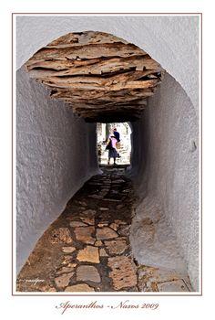 Gallery in Aperanthos village, Naxos Island, Kyklades, South Aegean_ Greece