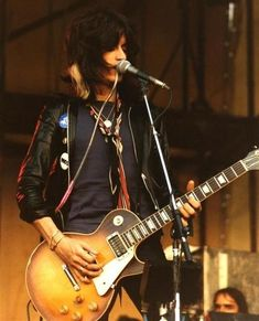 Joe Perry with his 1959 Gibson Les Paul Standard Joe Perry, Aerosmith, Music Do, Rock Music, Rock Roll, Vintage Les Paul, Famous Guitars, Rock Poster, The Jam Band