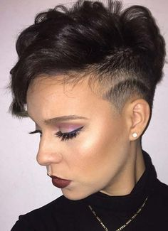 We give you not not not even but entire 100 short hairstyles for women, from bob to pixie to undercut to bowl-cut hair. Short Hair Undercut, Undercut Women, Messy Bob Hairstyles, Modern Hairstyles, Undercut Hairstyles, Short Hairstyles For Women, Short Hair Cuts, Modern Undercut, Pixie Haircuts