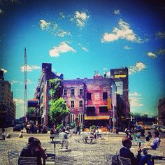 The #MeatpackingDistrict is the perfect place to people watch. What have you seen on the streets lately?
