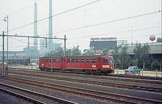 Station Heerlen met zicht op Amstel brouwerij en de lange Jan en Lies in 1969