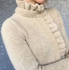 Knitted hats or hobby club - For inspiration. Knitting Designs, Knitting Stitches, Knitting Projects, Hand Knitting, Gilet Crochet, Crochet Cardigan, Knit Crochet, Knitwear Fashion, Knit Fashion