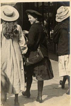 Linley Sambourne, Edward - Notting Hill, North Kensington, London (10 July 1907)
