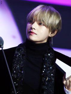Kim Taehyung | V
