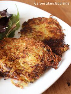 Une recette toute simple, un peu rustique, mais tout aussi délicieuse : la crique appelée aussi d'ans d'autres régions/pays röstis ou galettes de pommes de terre. Ce sont des galettes de pommes de terre croustillantes à l'extérieur et moelleuses à l'intérieur. Mmmmmh...