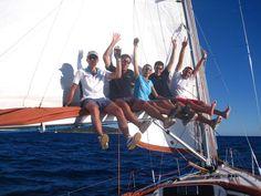 Warum Hilfe beim Urlaub buchen? Erfahrung ist besonders beim #Segelurlaub planen wichtig, wir helfen Ihnen die passende #Yacht in Ihrem Traum- #Segelrevier zu finden. Sie müssen nur noch den Anker lichten. Sailing Yachts, Opera House, Building, Travel, Sailing Boat, Sailing Ships, Sailing, Caribbean, Anchor