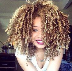 Curly blond hair #Tumblr #blackhair #curlyhair #blondecurlyhair