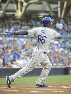 Puig leads the dodgers into the playoffs coming in hot while Bradford leads the puritans to settle at Plymouth Dodgers Gear, Dodgers Nation, Dodgers Baseball, Baseball Players, San Francisco Giants, Mlb The Show, Dodger Blue, Go Blue, Team Photos