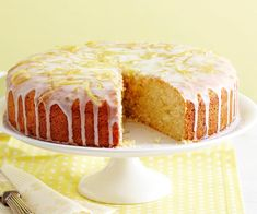 Add a little zing to your baking with this deliciously easy lemon cake! Wonderfully moist and drizzled with a zesty lemon icing, it's sure to be a winning dessert among kids and adults alike. Lemon Icing, Lemon Curd Recipe, Lemon Recipes, Sweet Recipes, Lemon Cakes, Baking Recipes, Lemon Desserts, Tea Recipes, Baking Ideas