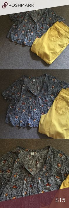 Flowly BoHo Style Old Navy Blouse size XL Flowly BoHo Style Old Navy Blouse size XL. White and Charcoal Grey Floral with red and mustard yellow flowers. Not cropped but a shorter style. Looks cute with high waisted shorts or skinny jeans.  Wore twice Old Navy Tops Blouses