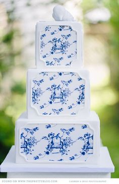 Gorgeous blue and white toile wedding cake.  Jayme Bernardo, Designer