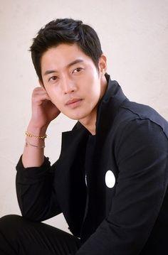 Kim Hyun Joong Announces First Concert Since Alleged Abuse Scandal http://www.kpopstarz.com/articles/154983/20141223/kim-hyun-joong-announces-concert-tour-after-months-of-reflection.htm