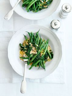 Green beans with almonds, oregano and lemon - Donna Hay Side Dish Recipes, Vegetable Recipes, Vegetarian Recipes, Cooking Recipes, Healthy Recipes, Green Beans With Almonds, Donna Hay Recipes, Snacks Saludables, Vegetable Dishes
