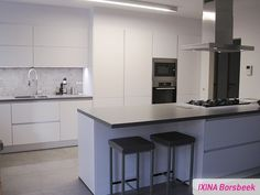 Keukenrealisatie IXINA Borsbeek greeploze keuken - cuisine sans poignées