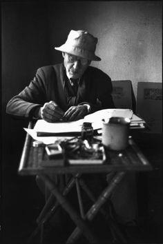 © Henri Cartier-Bresson/Magnum Photos FRANCE. Alpes-Maritimes. Le Cannet. 1944. French painter Pierre BONNARD at his home.