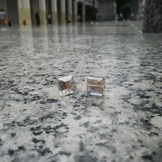 Shine bright like a diamond!  Fotografía : @klebersoriano  C'est magnifique est #kk #fashion #moda #crystal #earrings #bijoux #bisuteria #jewel #jewelry #publicidad #ads #designer #design #emprendedor #Guayaquil #Ecuador #BlackBerry #photography #handmade #estilo #style #accesorios #accessories #magnifique #marketing #art #fashionista