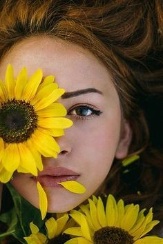 Photo Editor - Great Article With Lots Of Insights About Photography Creative Portrait Photography, Girl Photography Poses, Sunset Photography, Artistic Photography, Beauty Photography, Digital Photography, Portrait Photo Original, Foto Portrait, Photographie Art Corps