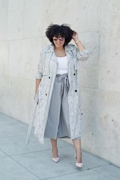 a white top, gray culottes, a gray top dust, red shoes for a relaxed look - Plus Size Dresses Big Girl Fashion, Curvy Fashion, Trendy Fashion, Plus Size Fashion, Trendy Style, Style Fashion, Curvy Style, Fashion Brand, Womens Fashion