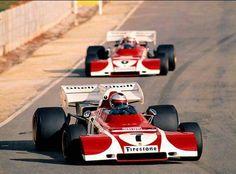 the racing lineMario Andretti leading his team mate Clay Regazzoni, Ferrari 1972 South African Grand Prix, Kyalami Ferrari Racing, Ferrari F1, F1 Racing, Le Mans, Race Cars, Sport Cars, Motor Sport, Clay Regazzoni, Brazilian Grand Prix