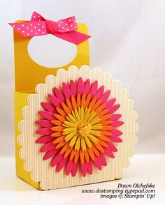 SU daisy 2 die party favour box
