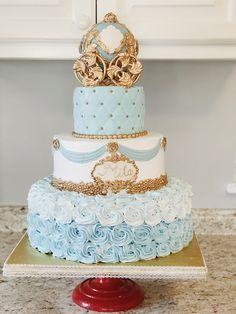 Cinderella Sweet 16, Cinderella Theme, Cinderella Birthday, Cinderella Cakes, Cinderella Quinceanera Themes, Quinceanera Cakes, Quinceanera Ideas, Quince Cakes, Quince Decorations