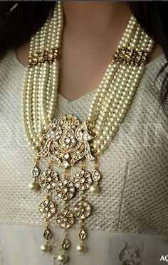 Get your special look on point with this exquisite gold plated high quality kundan mala and earrings.Made to order and ready to ship in 4 to 6 weeks. Jewelry Tags, Baby Jewelry, Pearl Jewelry, Bridal Jewelry, Antique Jewelry, Jewelry Gifts, Vintage Jewelry, Fine Jewelry, Gold Jewelry