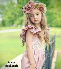 How pretty is that? Cute Baby Girl, Cute Little Girls, Cute Kids, Cute Babies, Precious Children, Beautiful Children, Beautiful Babies, Princess Girl, Princess Style
