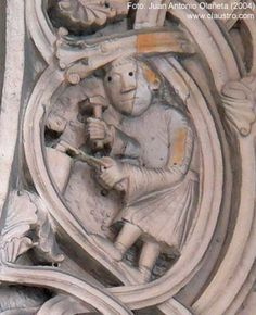 Escultura de un herrero.Catedral de San Giminiano,Modena