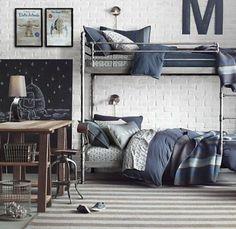 chambre d'ado garcon, tapis à rayures beiges et blanc
