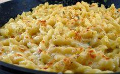 Macarrones con queso  Necesitamos para 6 raciones   300 gramos de queso cheddar en trozos semicurado  50 gramos de pan duro e...
