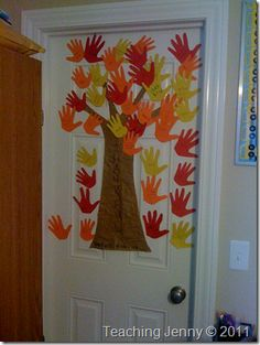 """Thankfulness Tree for Family. you could get each member of the family to write things they are thankful for until your family tree is """"running over with blessings"""" (or you could do one every day of November until Thanksgiving) Thanksgiving Crafts For Kids, Fall Crafts, Diy Crafts For Kids, Holiday Crafts, Arts And Crafts, Thanksgiving Holiday, Toddler Crafts, Holiday Fun, Holiday Ideas"""