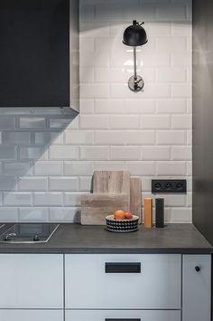 White Kitchen Decor, New Kitchen, Kitchen Backsplash, Kitchen Cabinets, Küchen Design, Interior Design, Cocinas Kitchen, Apartment Kitchen, Modern Decor