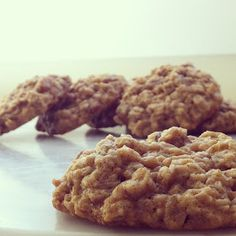 the chef's wife: Oatmeal, Golden Raisin & Sea Salt Cookies