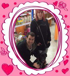 Maya con su familia. Enamorados de tus mascotas en Tienda de Animales El Cuélebre.