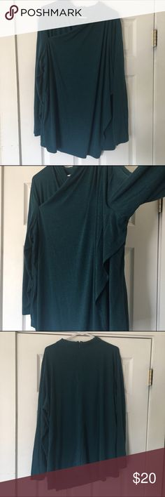 "H by Halston faux wrap/layered top size 3x H by Halston faux wrap/layered top size 3x   🍥Bundle deals available (I carry various sizes and brands in my closet): 2 items 10% off, 3 items 15% off, 4 items or more 20% off.  🍥No trades, modeling, or lowball offers please. 🍥All reasonable offers accepted only through ""offer"" button.  🍥I appreciate you all. Happy Poshing! H by Halston Tops Blouses"