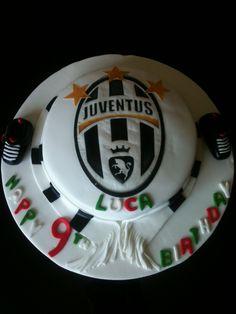 Football juventus cake