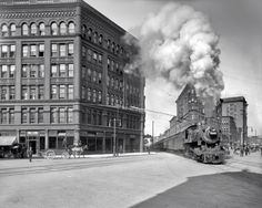 TRAINS ON THE STREETS OF SYRACUSE, NEW YORK, C.1905-1945
