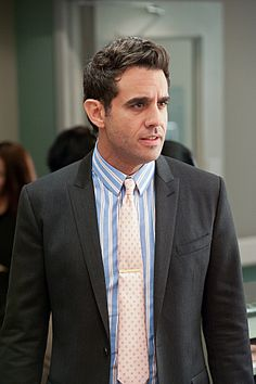 Bobby Cannavale in Nurse Jackie Nurse Jackie, Merritt Wever, Bobby Cannavale, Good Looking Actors, Will And Grace, Great Tv Shows, Book Boyfriends, Music Tv, Old Movies