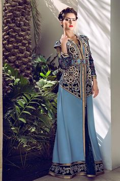 This is really beautiful.. it's like between the kaftan and sari