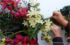 How to Make a Floral Swag! #floral #crafts