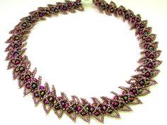 Free pattern for necklace Andromeda.  Repin via Andaira- Esquemas de Bisutería y Manualidades.