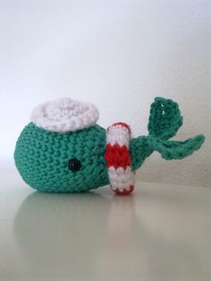 Sailor Whale with Hat - free amigurumi crochet pattern