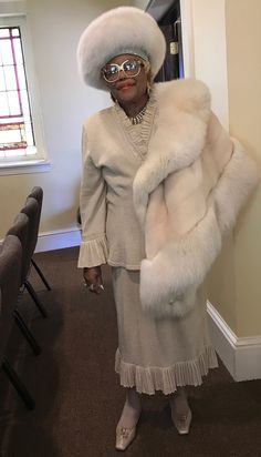 Church Suits And Hats, Church Attire, Church Hats, Church Outfits, Church Clothes, Hats For Women, Clothes For Women, Black Church, Beige Outfit