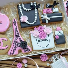 chanel inspired pink cookies