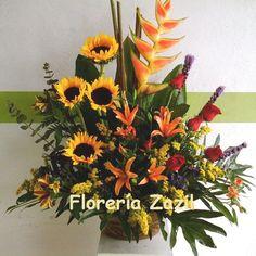 Tropical Flower Arrangement #Floreriazazil #CancunFlowershop #mother´sday  www.floreriazazil.com