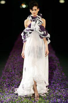 Saint Laurent Spring 2007 Ready-to-Wear Fashion Show - Natalia Belova (NATHALIE)