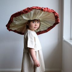 Mushroom : A DIY Halloween Costume Here's a sweet and simple woodland inspired Halloween costume to wear with your Vera Dress and Ecru tights. It looks impressive but is actually pretty simple to Disfarces Halloween, Diy Halloween Costumes, Halloween Dresses For Kids, Diy Kids Costumes, Original Halloween Costumes, Pretty Halloween, Couple Halloween, Costumes For Women, Children Costumes