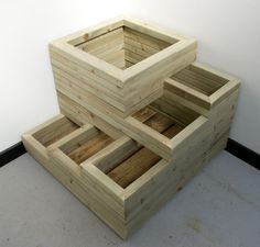 DIY & Home Project. If you want to grow some plants or vegetables in your yard, first you are going to need some good planter boxes. DIY planter box designs, plans, ideas for vegetables and flowers Wooden Planter Boxes, Diy Planter Box, Diy Planters, Tiered Planter, Tiered Garden, Outdoor Projects, Garden Projects, Wood Projects, Raised Garden Beds