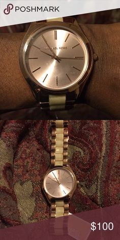Shop Women's Michael Kors size OS Watches at a discounted price at Poshmark. Mk Watch, Rose Gold Watches, Style Watch, Belize, Fashion Bracelets, Fashion Watches, Michael Kors Watch, Closet, Fashion Tips